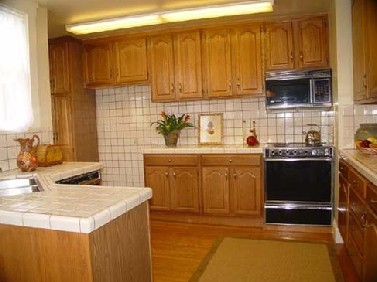 3271 Baker - The OLD kitchen from 2006